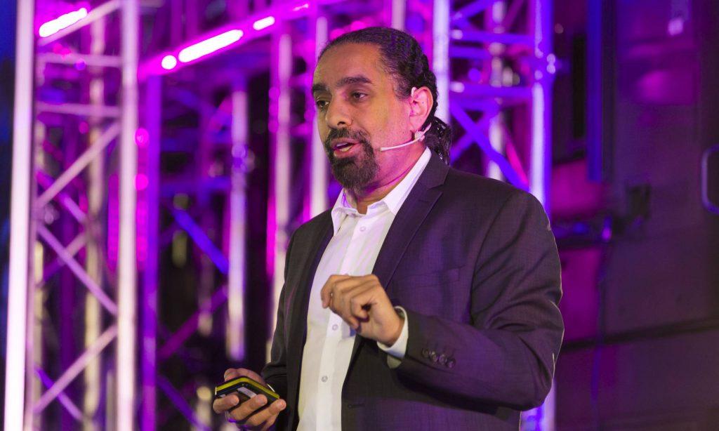 Ramez Naam en su exposición del SingularityU Spain Summit