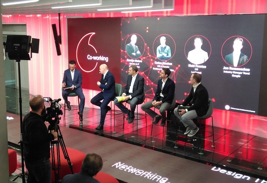 Momento de la jornada sobre Turismo y Digitalización en VodafoneLab (foto: Observatorio Vodafone de la Empresa).