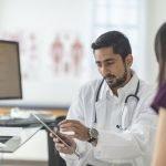 Monitores de salud flexibles, transparentes y con grafeno
