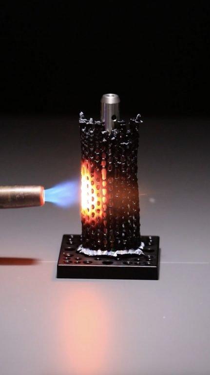 HARP puede imprimir objetos de cerámica que no se derriten, agrietan o debilitan cuando se aplica calor intenso.