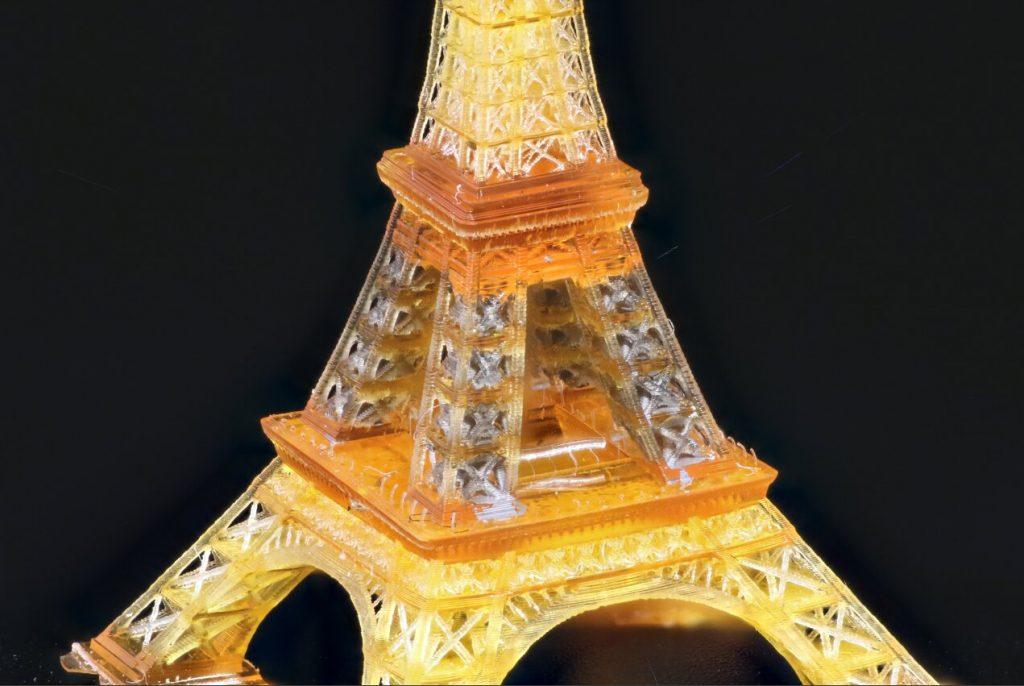 Torre Eiffel construida con impresión 3D por los ingenieros de UCLA