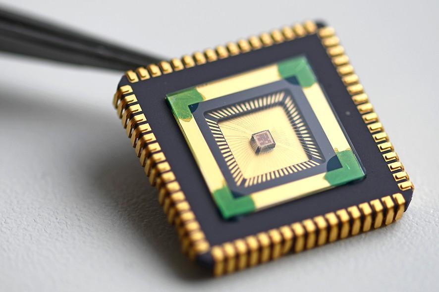 ©Fraunhofer-Gesellschaft - IC de interfaz analógica de microvatios