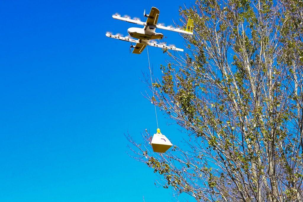 Wing, una empresa de entrega de drones creada en el laboratorio de innovación de Google, ha estado trabajando con Virginia Tech Mid-Atlantic Aviation Partnership para llevar la entrega aérea a los cielos de EE. UU. Su ensayo, el primero en el país disponible para el público en general, se lanzó en Christiansburg, Virginia. (Fotos de Lee Friesland)